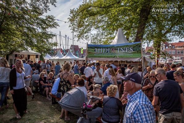 Bezoekers wijnfestival Hoorn