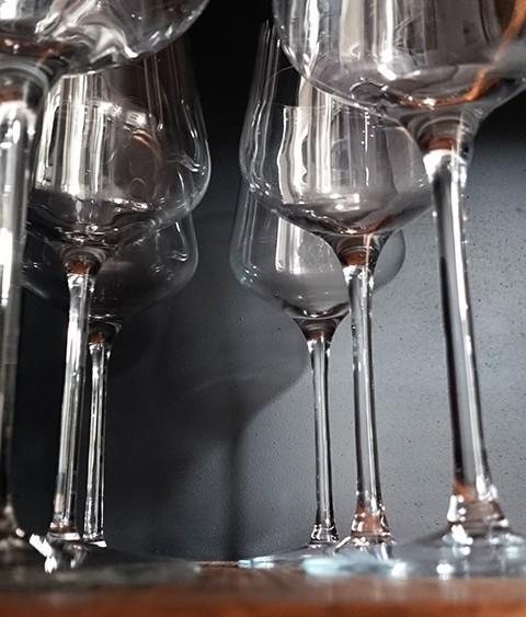 wijnglazen wijnbar