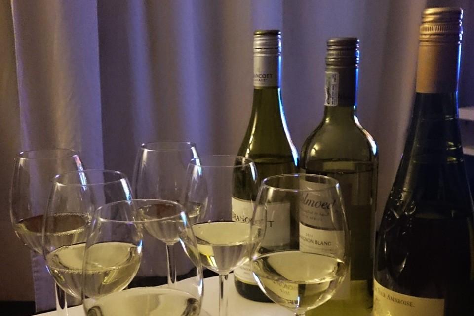 Sauvignon Blanc op tafeltje