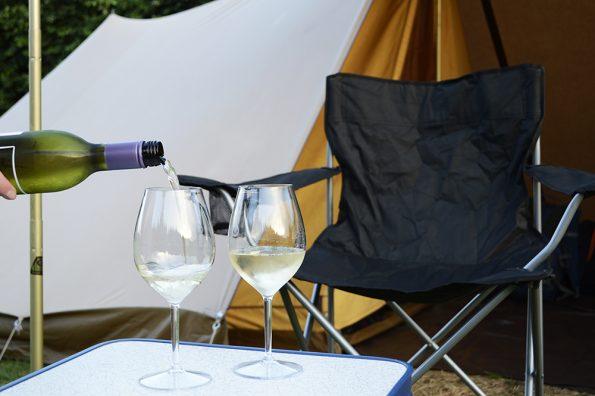 inschenken camping wijn